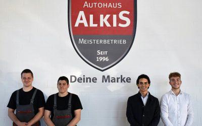 4 neue Auszubildende starten beim Autohaus Alkis ins Berufsleben